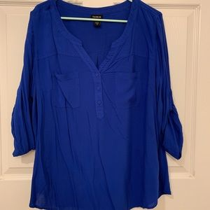 Blue blouse with 3/4 length sleeves